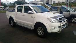 Toyota Hilux 3.0D4D Double Cab Automatic ( LOW MILEAGE )