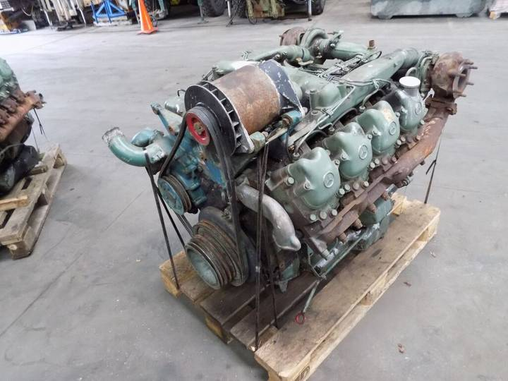 Mercedes-Benz v8 om 422 engine for truck