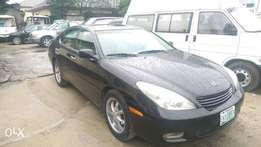 Neat Lexus ES300 for sale
