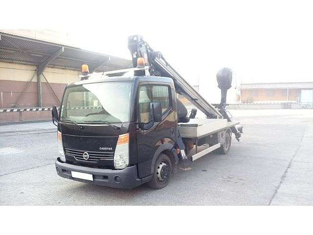 Nissan Cabstar Oilsteel Scorpion 1812 Smart - 18 M - 2010
