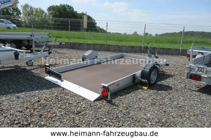 Humbaur Auto- und Motorrad-Transporter