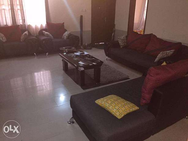 7 Sitter Fabric Sofa in Excellent Condition for Quick Sale Lekki - image 1