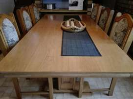 8 SEATER OAK DINING ROOM SUITE