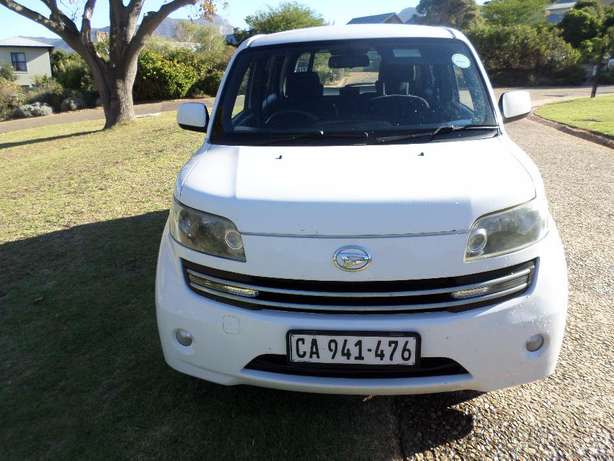 Daihatsu Materia 1.5 low Kms excellent condition Hout Bay - image 2