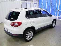 With sunroof Volkswagen tiguan 2010 kcl