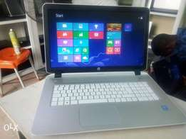 HP Pavilion 17 Intel Core i5 750gb/8gb Very Clean