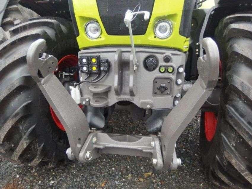 Claas Traktor Axion 870 Cmatic - 2016 - image 2