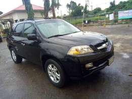 Perfect 2005 Acura MDX with Reverse Camera for grab