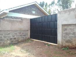 3 bedroom own compound to let