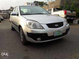 SUPERCLEAN 2009 Kia Rio for sale