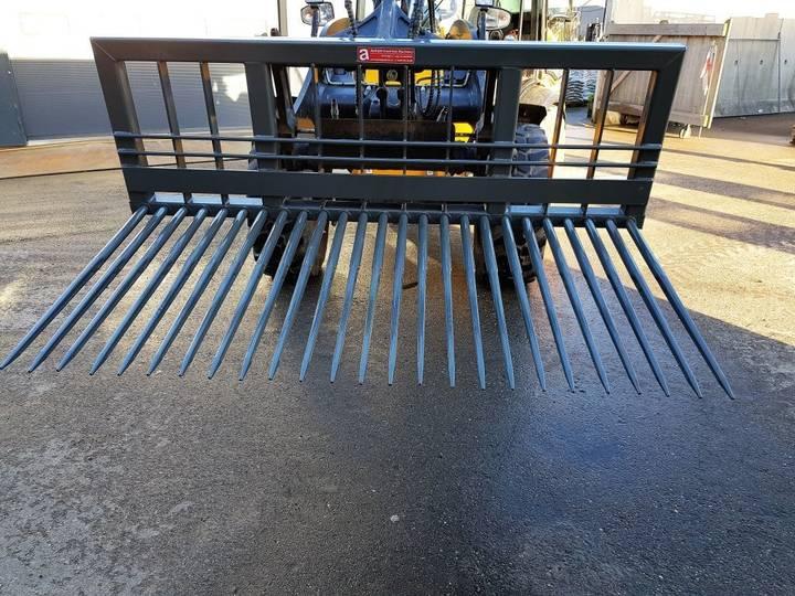 New Stenenriek round bale fork - image 2