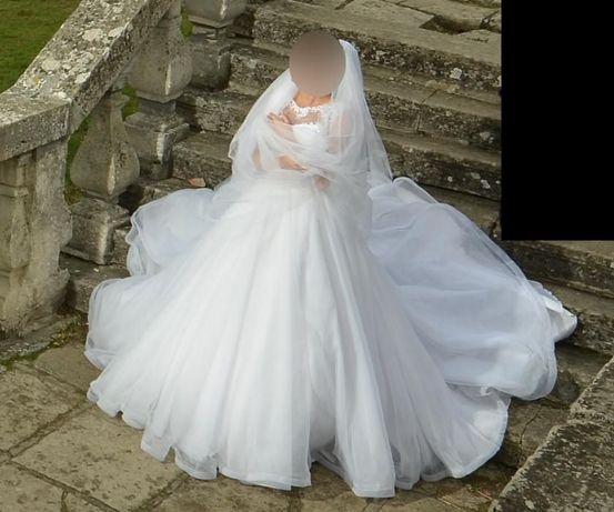 Весільне плаття  4 000 грн. - Весільні сукні Львів на Olx e522111227d32