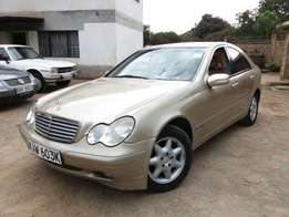 Smooth M/Benz C200 model 2001