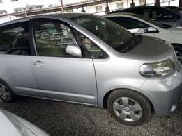 Toyota porte silver Discounted price New number