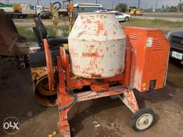 Movable Syncro cement mixer for sale