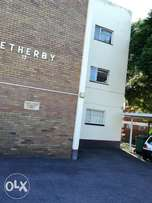 1 room available in a 2 bedroom flat