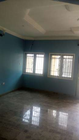 Luxury 4bed Rooms Flat at Bankole Estate Magboro Behind MFM. CofO Lagos Mainland - image 4