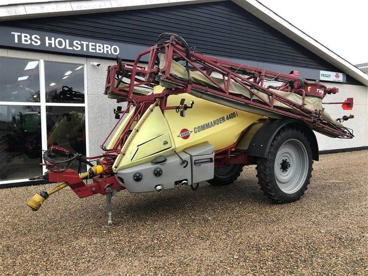 Hardi Commander 4400 I Twin 24 Meter - 2005