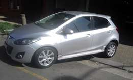 Mazda2 1.6 confortline silver in color 2012 model 80000km R93000