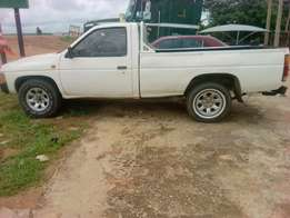 Clean Nisan pickup for sell