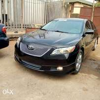 Clean toks Camry sports SE with DVD, reverse camera etc