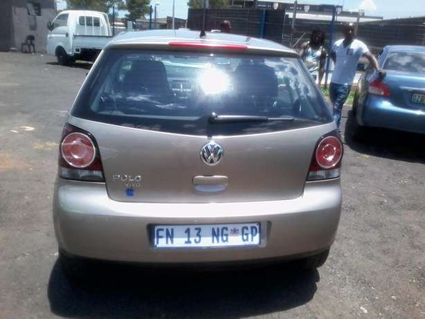 VW polo vivo 1.4 Model 2015,5 Doors factory A/C And C/D Player Johannesburg CBD - image 3