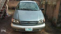 Clean First Body Registered 1999 Sienna XLE (America Spec)