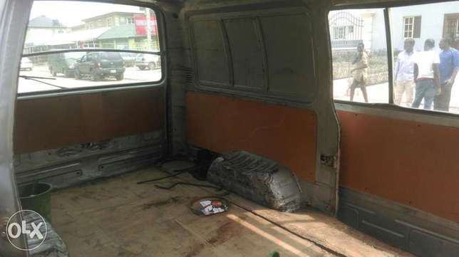 Clean used Toyota hiace available for sale Ipaja - image 4
