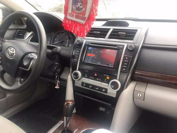 Foreign Used 2012 Toyota Camry LE - Silver Lekki - image 4