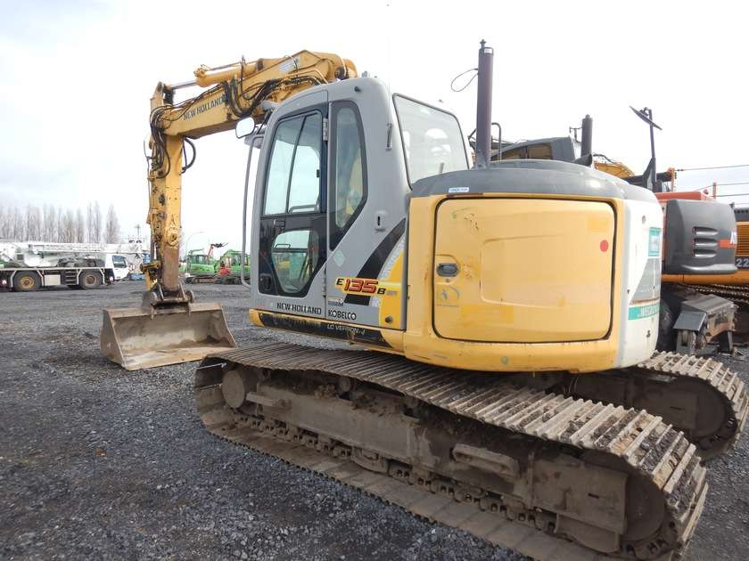 New Holland E135BSR-2 - 2009 - image 4