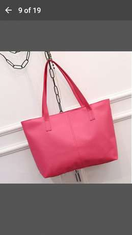 Shoulder bag for 500 and get a FREE gift Midrand - image 8