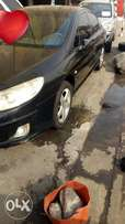 2009 clean Peugeot 407 with leather seats available for 900k asking