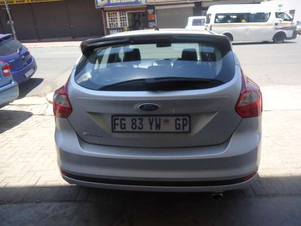 2014 Ford Focus 2.0 Available for Sale Johannesburg - image 3
