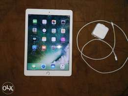 America Used IPad Pro 9.7 128GB 2017 Model White Mint