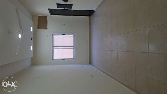 Brand new Two bedrooms flat in janbyia road near alsalam school Very
