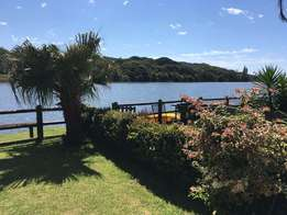 Delightful furnished two bedroom apartment on river bank in Beacon Bay
