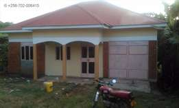 Bwebajja house available for grab ASAP