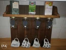 Solid spice rack and mug holder