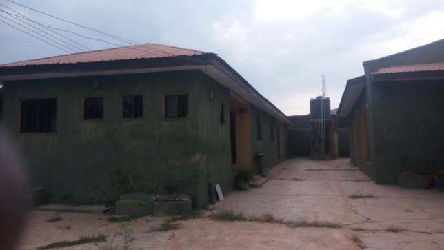Twin flat (3 Bedroom flat each) with 2 Room and parlor self con Ilorin West - image 6