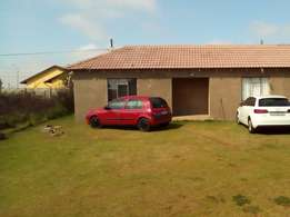 Bachelor's En-suite Room to Rent in Dawn Park R2000