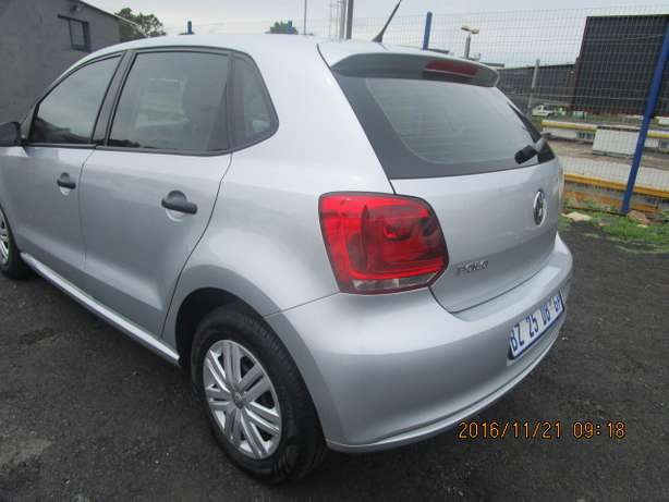 VW Polo 1.4 T/L 2012 model with 5 doors Johannesburg - image 3