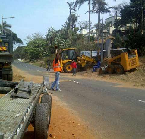 Bobcat for hire with 6m truck for only R750, 00 per load Umhlanga - image 5