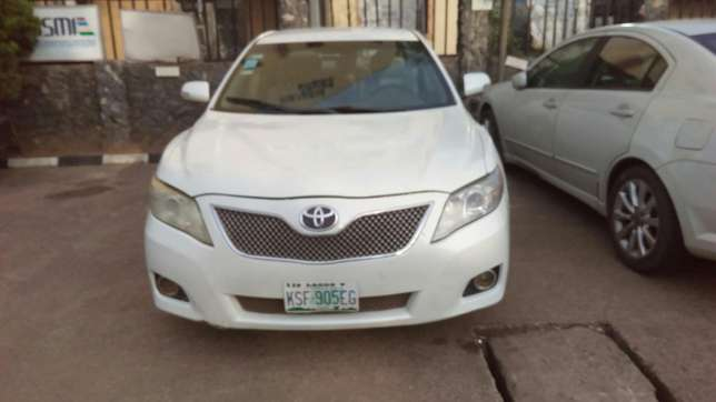 Check this toyota camry out a/c auto drive leather seat Ikeja - image 1