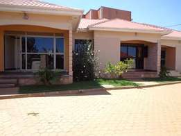 Executive 2 bedroom 2 baths house in Namugongo at 600k