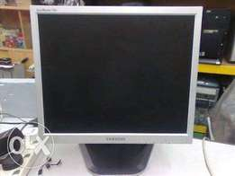 Flat screen Monitors For Sale