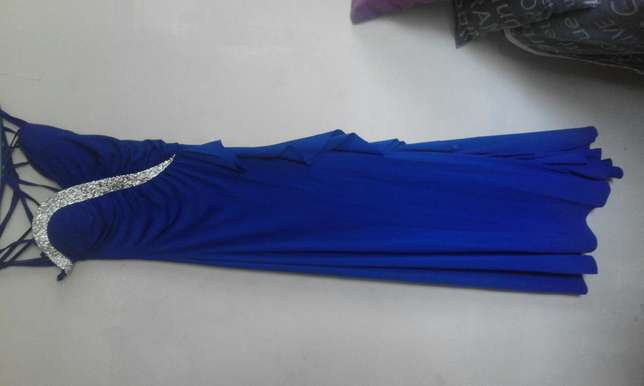 Blue evening/ matric gown Witbank - image 2