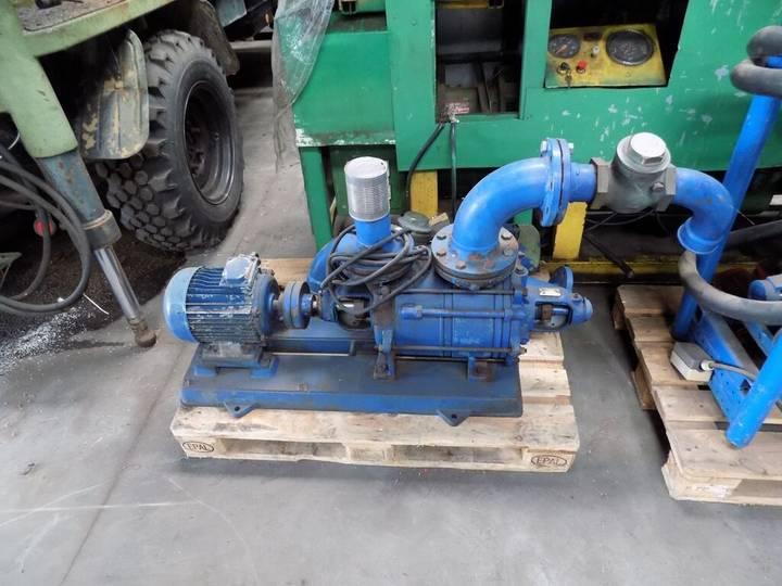 Pump diverse motor