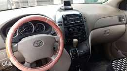 Toyota Sienna 07 for sale