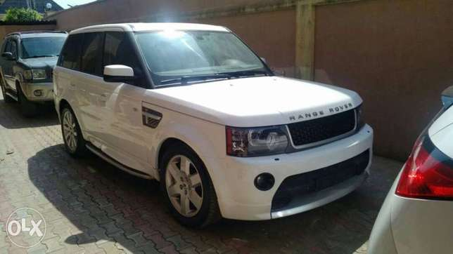 2008 upgraded to 2012 Range Rover Sport Lagos Mainland - image 3