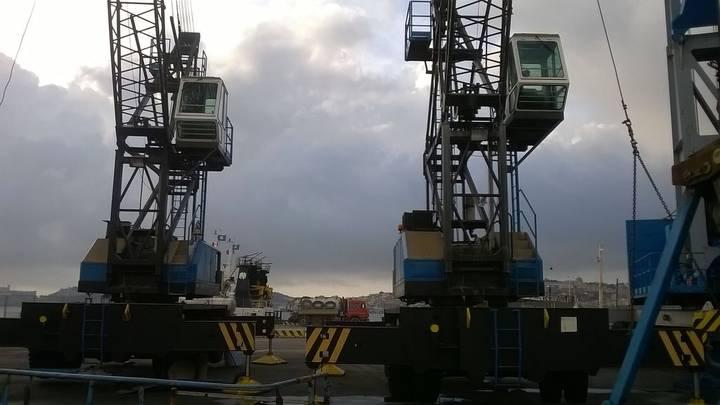 Italgrù port crane - 1989